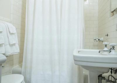 209-Bath2_web
