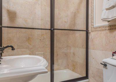 210-Bath2_web